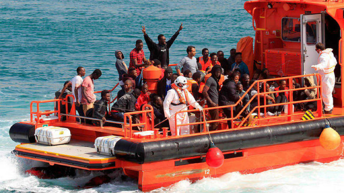 Andalucía exige a Sánchez más fondos para atender a los inmigrantes
