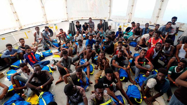 España acogerá a 60 inmigrantes del Aquarius tras un acuerdo internacional