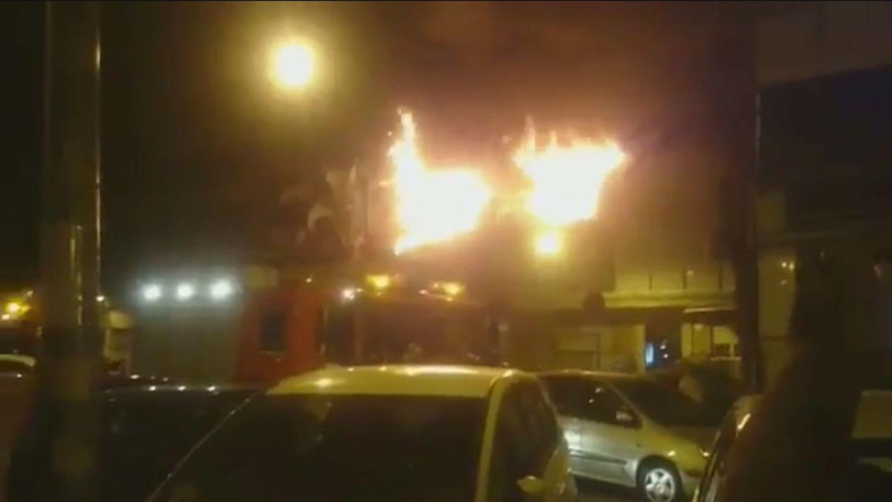 Varias familias quedan en la calle tras un incendio en el barrio Zarzaquemada
