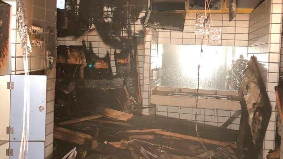 Estado en que han quedado las saunas del polideportivo municipal José  Caballero de Alcobendas tras un incendio