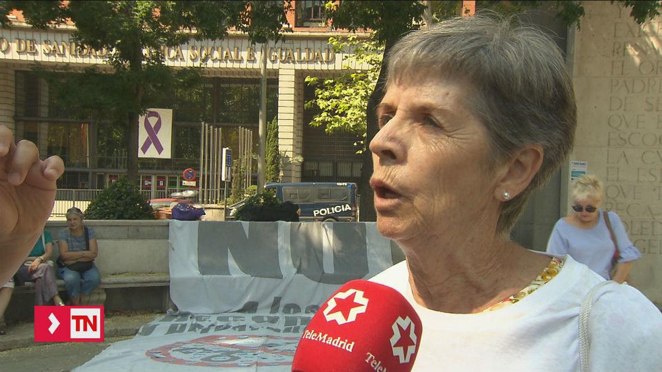 La Marea Blanca exige la derogación de la ley que permite la externalización en sanidad