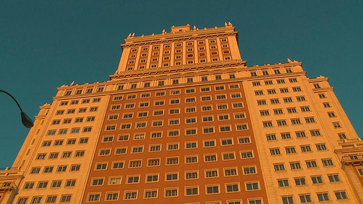 Baraka demanda a Riu y pide que se paralicen las obras del Edificio España