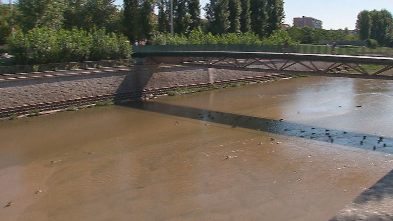 El río Manzanares inicia su renatutalización tras el desembalse de la presa 9