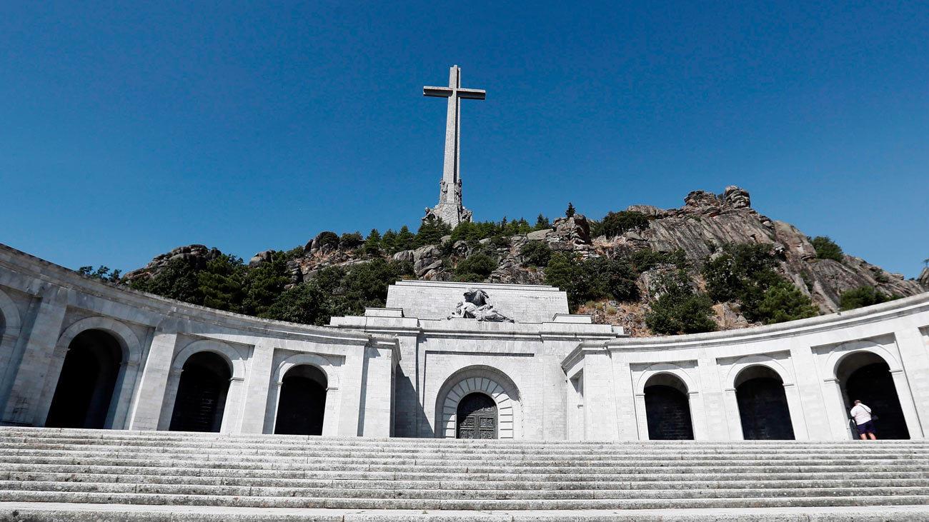 El Gobierno prevé exhumar a Franco a final de año