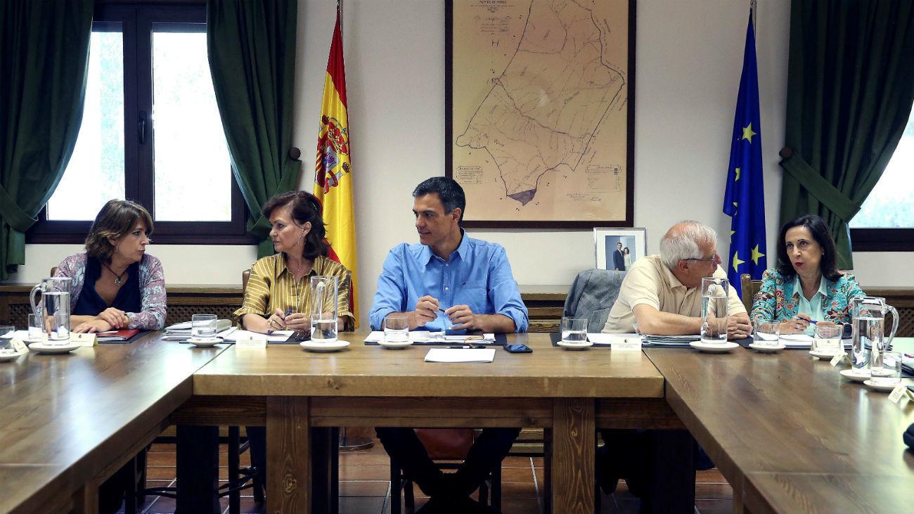 Sánchez y su Gobierno abordan una agenda de cambio más allá de la legislatura