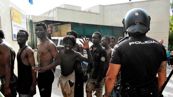 Detenidos 10 inmigrantes por organizar el salto a la valla de Ceuta en julio