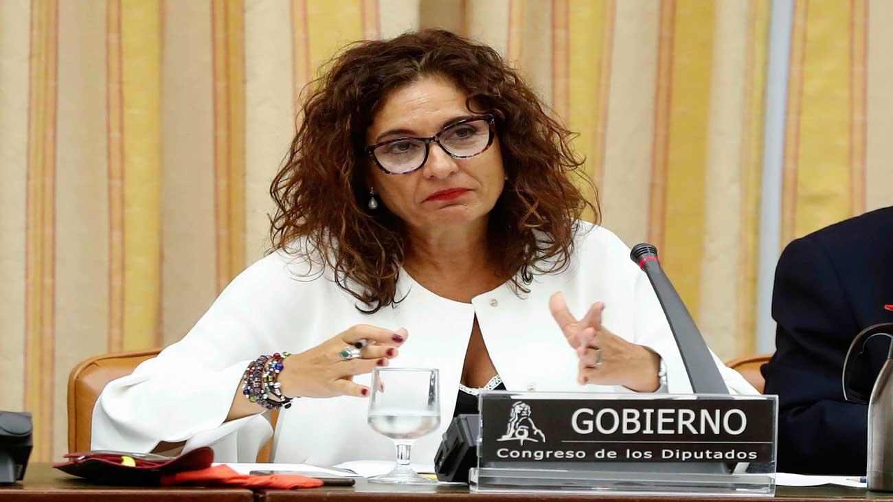 Montero dispuesta a explorar la subida del IRPF a rentas superiores a 150.000 euros