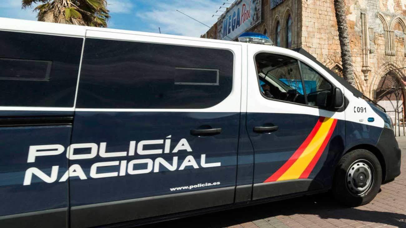 Imagen de archivo de un furgón de la Policía Nacional. EFE