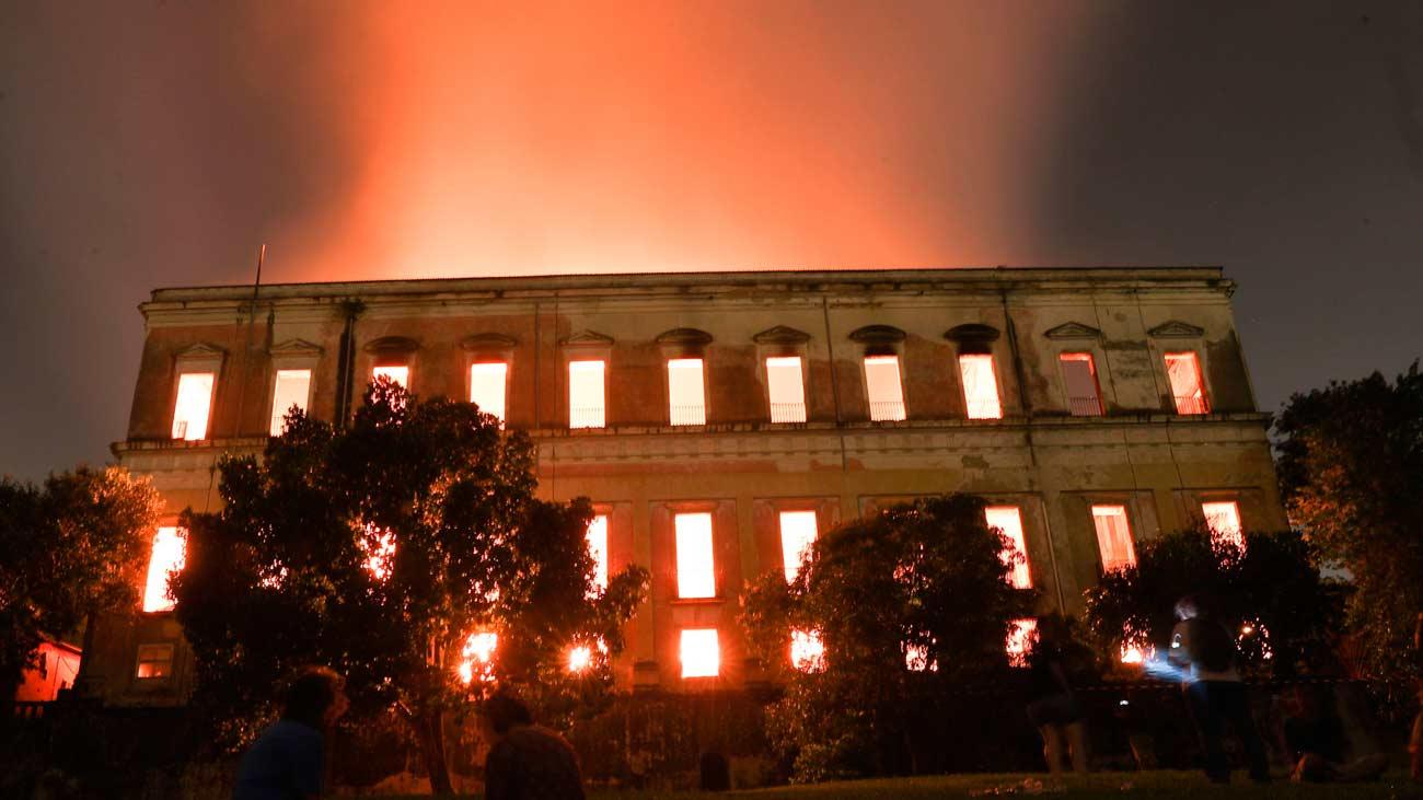 Un incendio arrasa el Museo Nacional de Brasil
