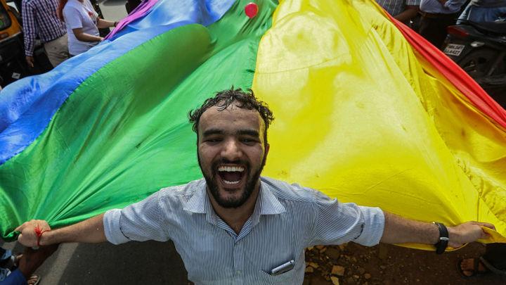 La India despenaliza la homosexualidad