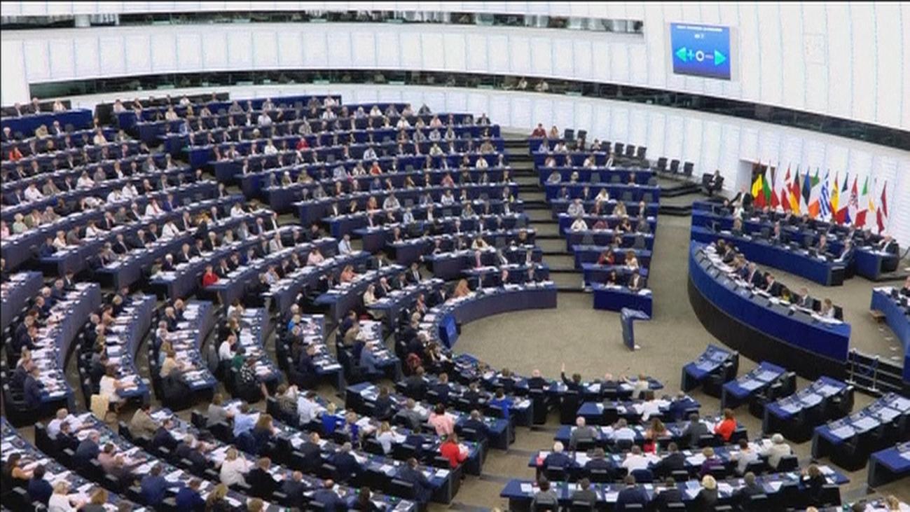 El Parlamento Europeo pide sancionar a Hungría