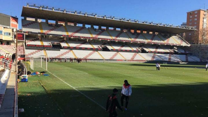 El Rayo, pendiente del informe para saber si abrirá el estadio de Vallecas