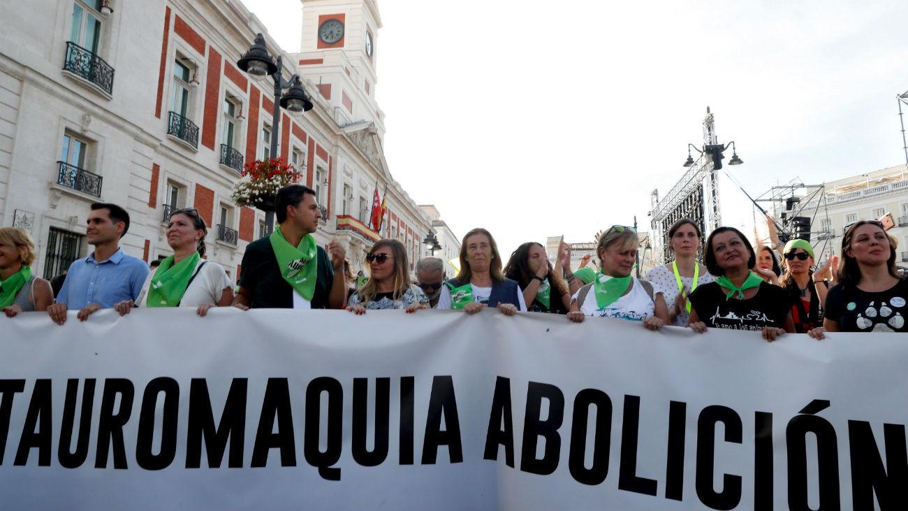 """Miles de personas piden en Madrid el """"fin a las injusticias"""" contra los animales"""