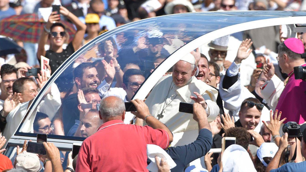 El papa advierte a los mafiosos que no pueden ser cristianos