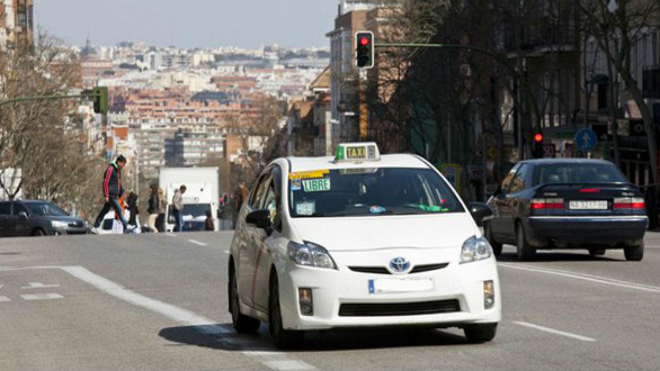 Madrid da una moratoria de dos años para los taxistas cuyos coches tengan más de 10 años de antigüedad