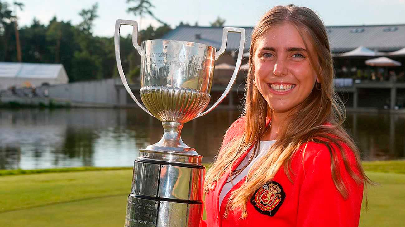 Familia de joven golfista, en contacto con autoridades, a la espera de datos