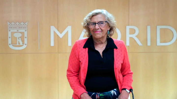 Manuela Carmena abandona el hospital  de la Princesa tras su caída