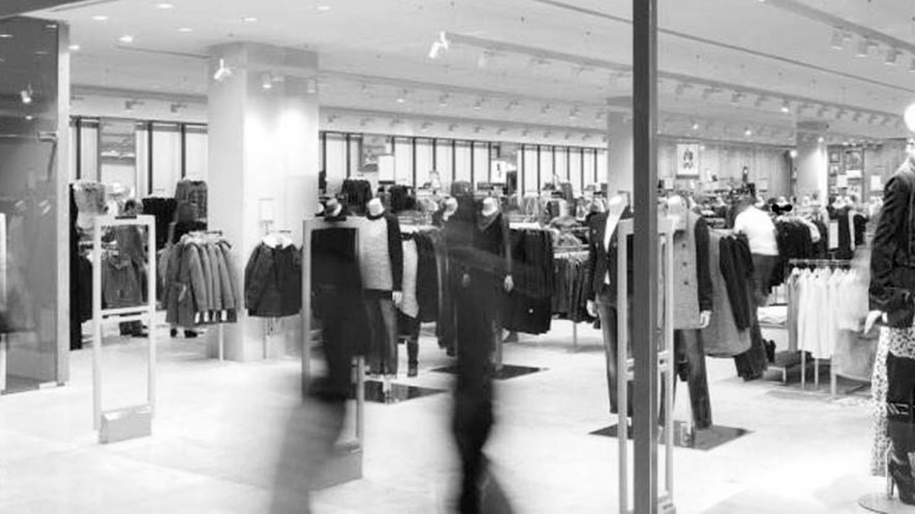 ¿Y, si tuvieses que pagar por probarte la ropa?