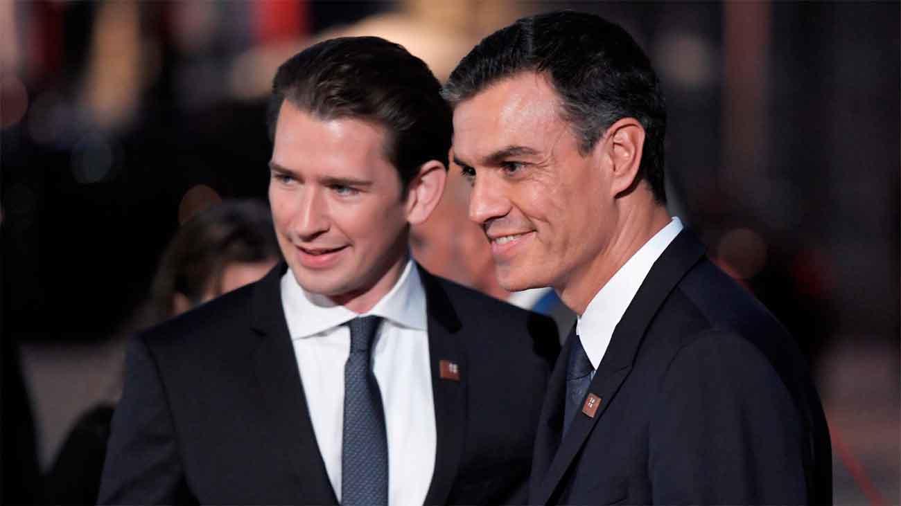 Pedro Sánchez y Pablo Casado viajan a Austria