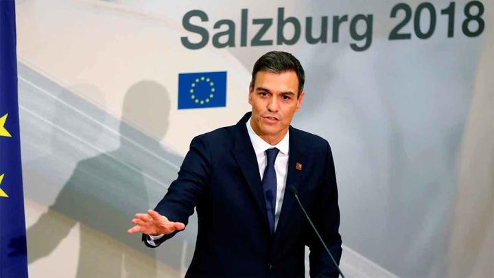 """Sánchez dispuesto a comparecer en el Senado, admite  el """"fallo"""" en la reseña de su libro"""