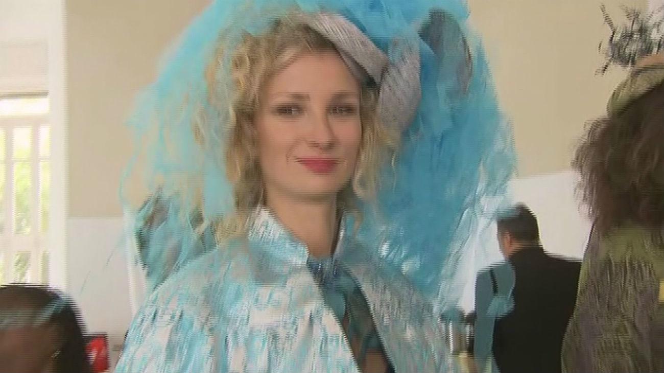 Mujeres víctimas de trata confeccionan la nueva colección 'Coeur Bleu'