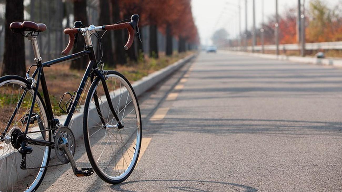 El Ayuntamiento matiza que las bicicletas  circularán por Madrid Río a 10 km/h