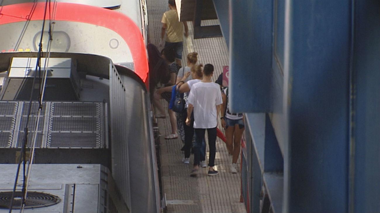 Detenido un hombre tras  sembrar el pánico en la estación de Villaverde Bajo con gritos en árabe