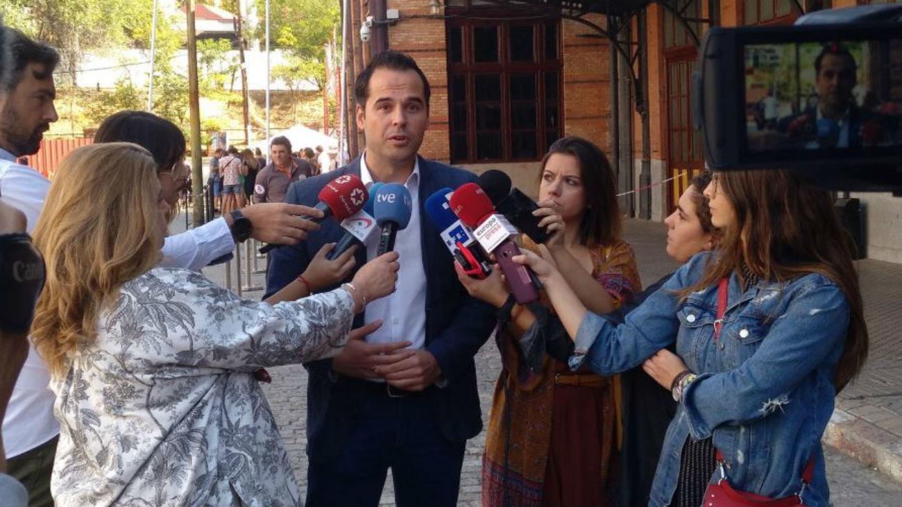 Ciudadanos cree que el Gobierno tiene que valorar el traslado de Franco a la Almudena
