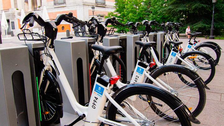 El Ayuntamiento destaca que el uso de BiciMAD crece un 27% desde que lo gestiona EMT
