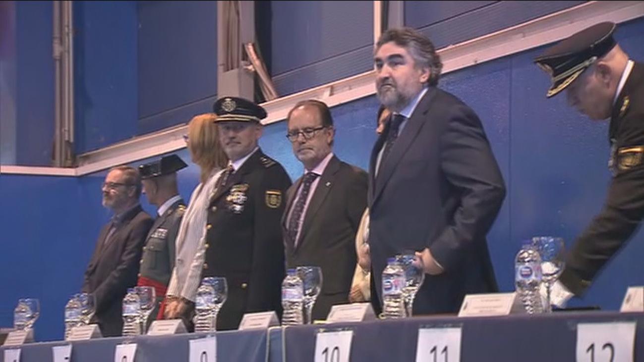 La discrepancia de Garrido con el Delegado del Gobierno empaña el Día de la Policía