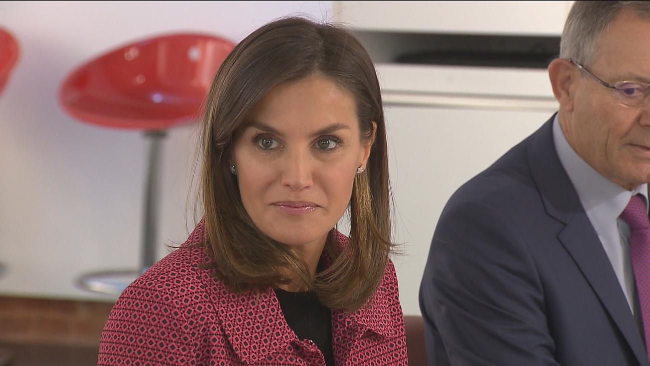 Jóvenes explican a la reina cómo Cruz Roja les ayuda a encontrar trabajo