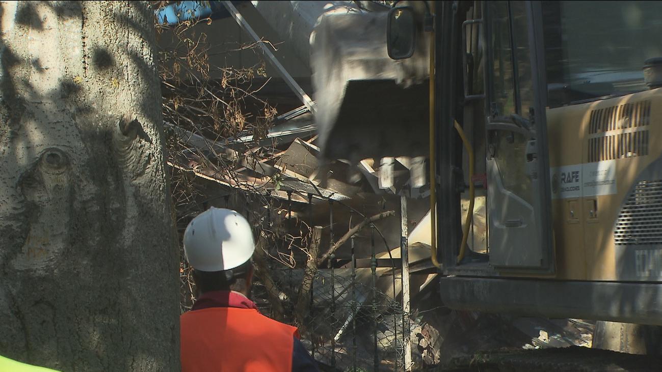 Derriban el asador 'Los Porches' abandonado hace 10 años