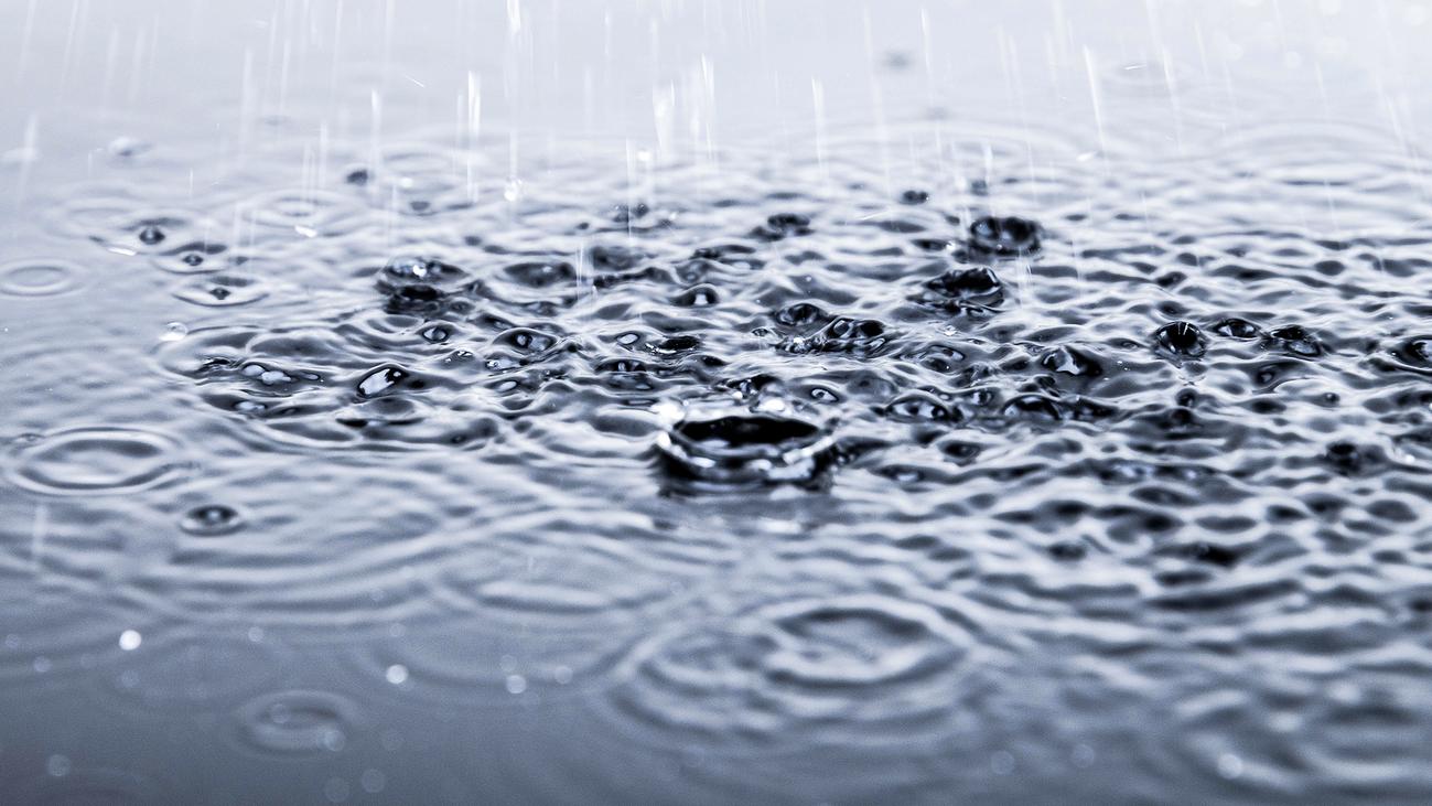 Alertas en Málaga y Cataluña por las fuertes lluvias