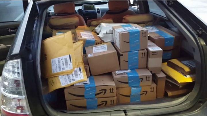 Los pedidos de Amazon para Reyes peligran tras mantener los sindicatos los paros