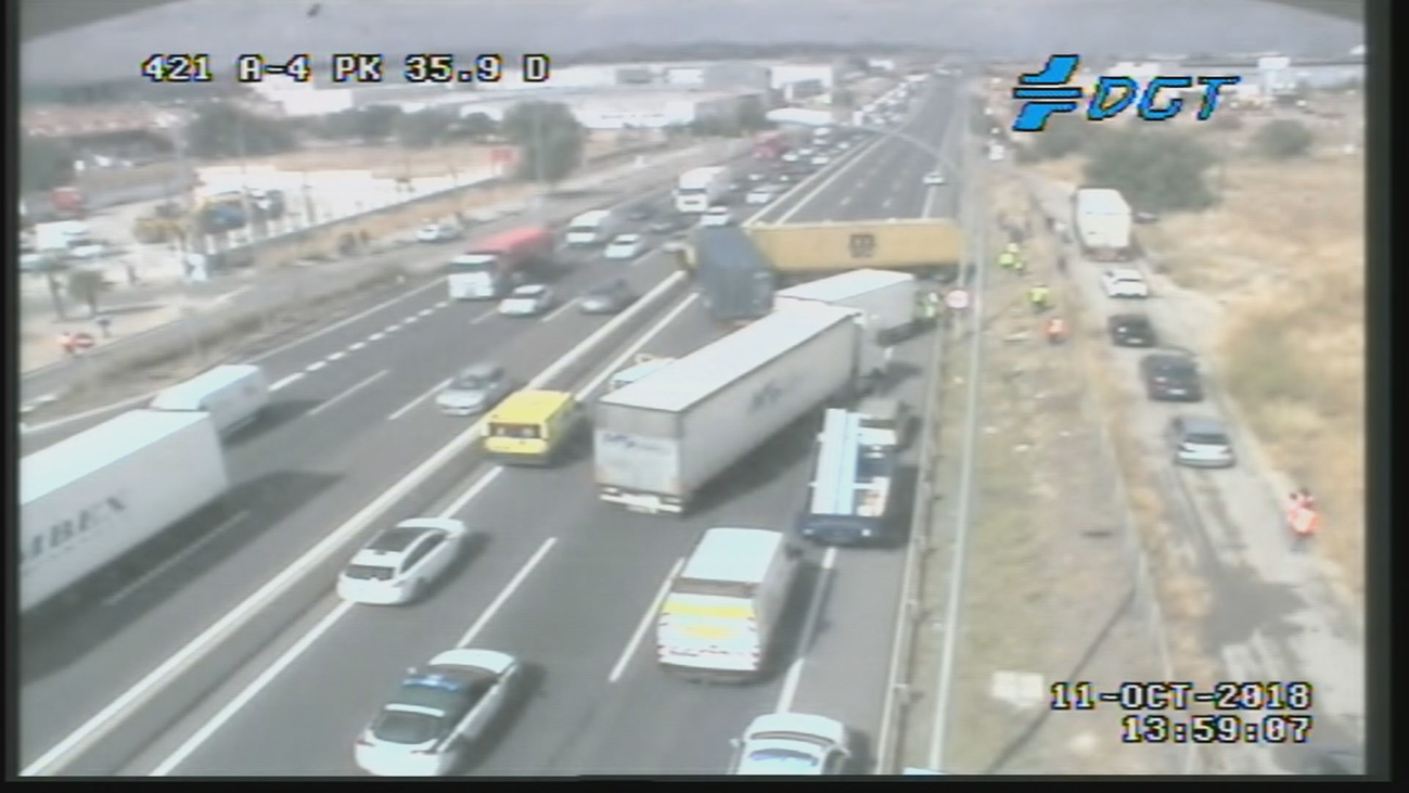 Restablecido el tráfico de entrada a Madrid por la A-4 tras un accidente con 4 camiones