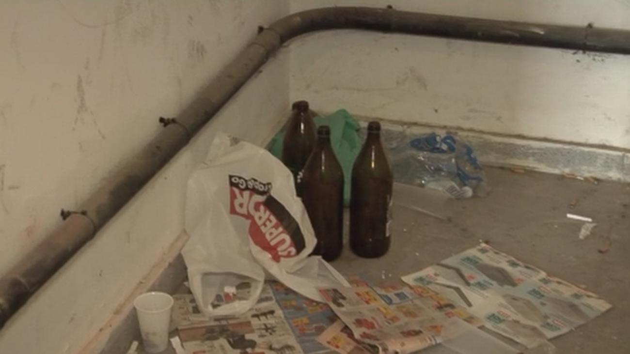 Goteras, grietas, suciedad, humedad y tuberías en mal estado en varios edificios de Móstoles