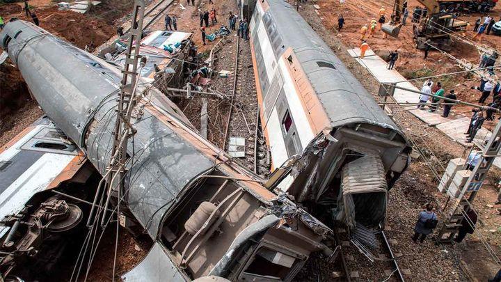 Al menos 7 muertos y 86 heridos al descarrilar un tren de pasajeros en Marruecos