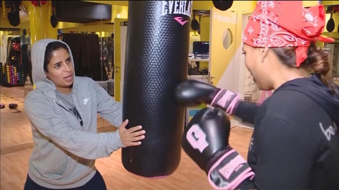 El boxeo, deporte de moda entre las mujeres de Arabia