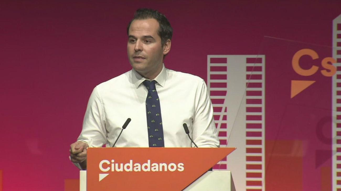 Ciudadanos da pistoletazo de salida a la precampaña marcando distancia con PP y PSOE
