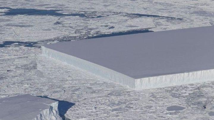 La Nasa descubre un espectacular iceberg rectangular en la Antártida