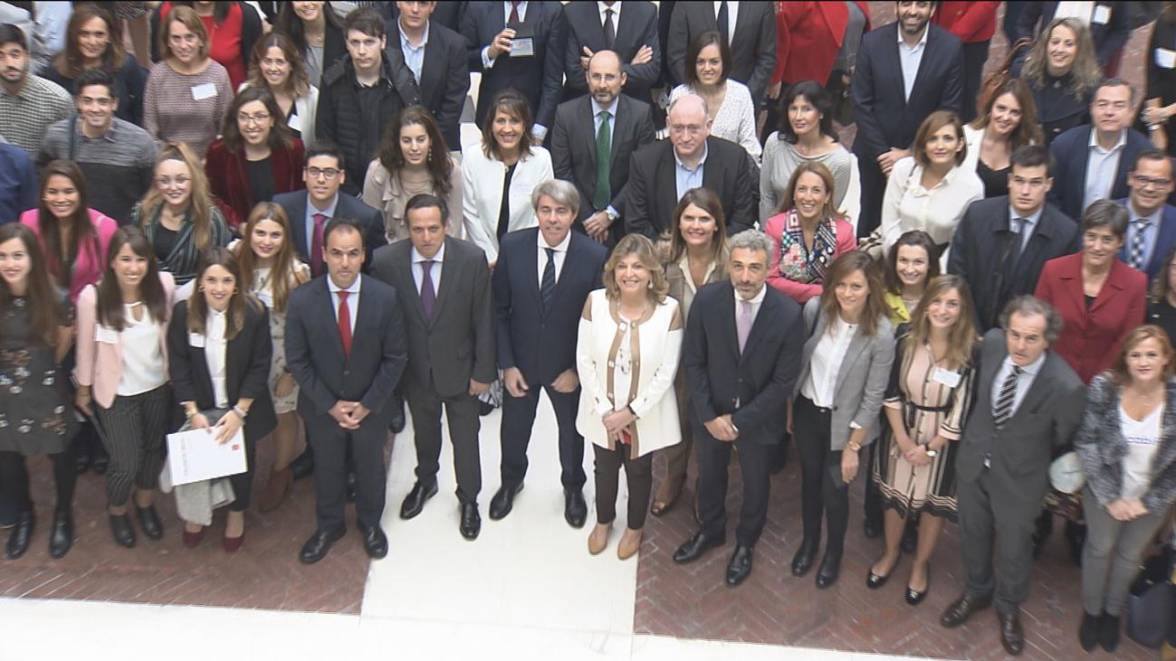 La Comunidad impulsa un plan para retener el talento joven en Madrid