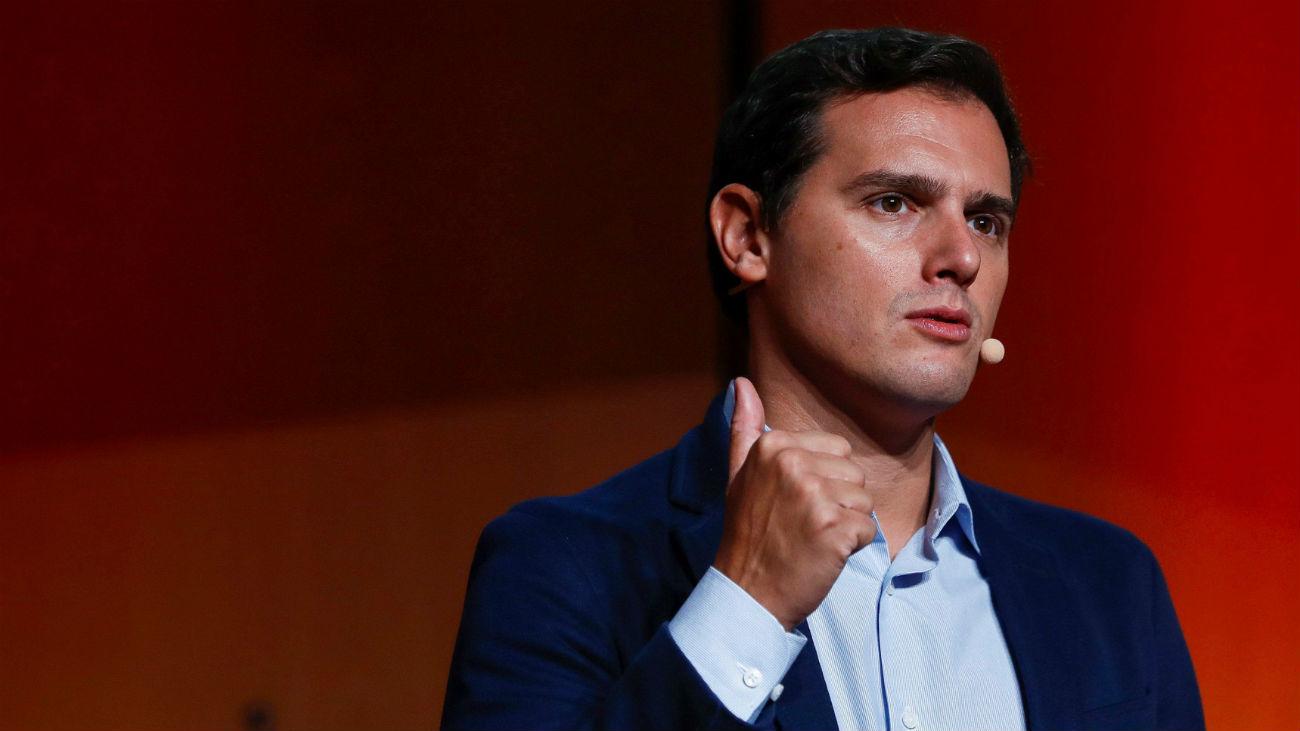 """Rivera, contra Sánchez por hacer de """"abogado"""" de soberanistas tras el """"golpe"""""""