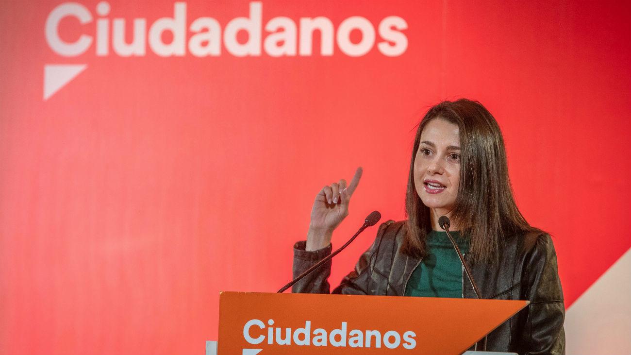 """Arrimadas: """"Andalucía no es del PSOE como Cataluña no es de los nacionalistas"""""""