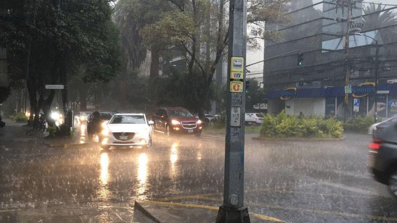 Quince provincias se mantienen en alerta por lluvia y viento