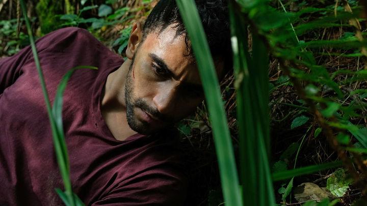 La víctima número 8 Cap 4 - Omar se acaba de escapar de la granja y se esconde de sus captores