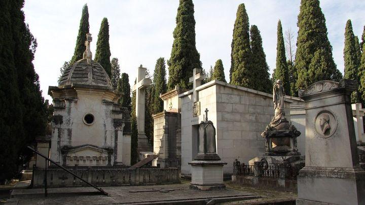 El Cementerio Sacramental de San Isidro ofrece  visitas guiadas hasta el domingo