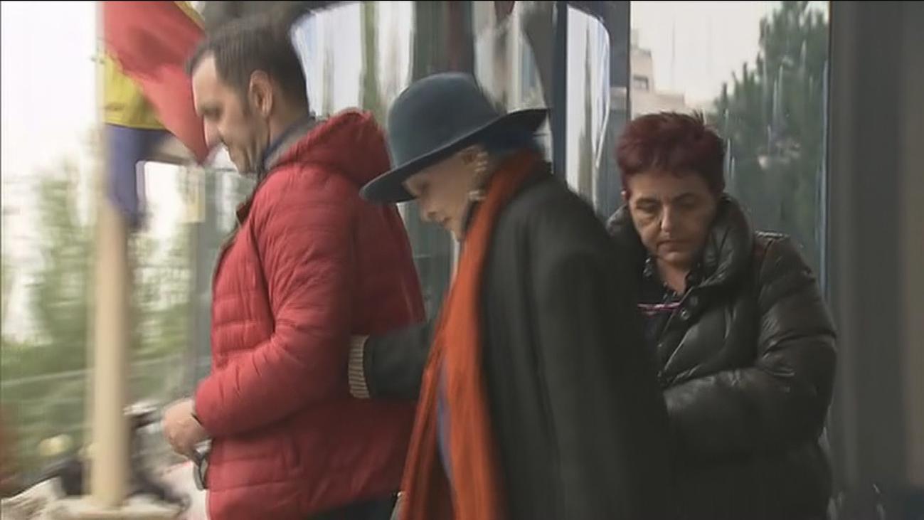 Aplazado el juicio a Lucía Bosé al pedir la acusación citar a Miguel Bosé