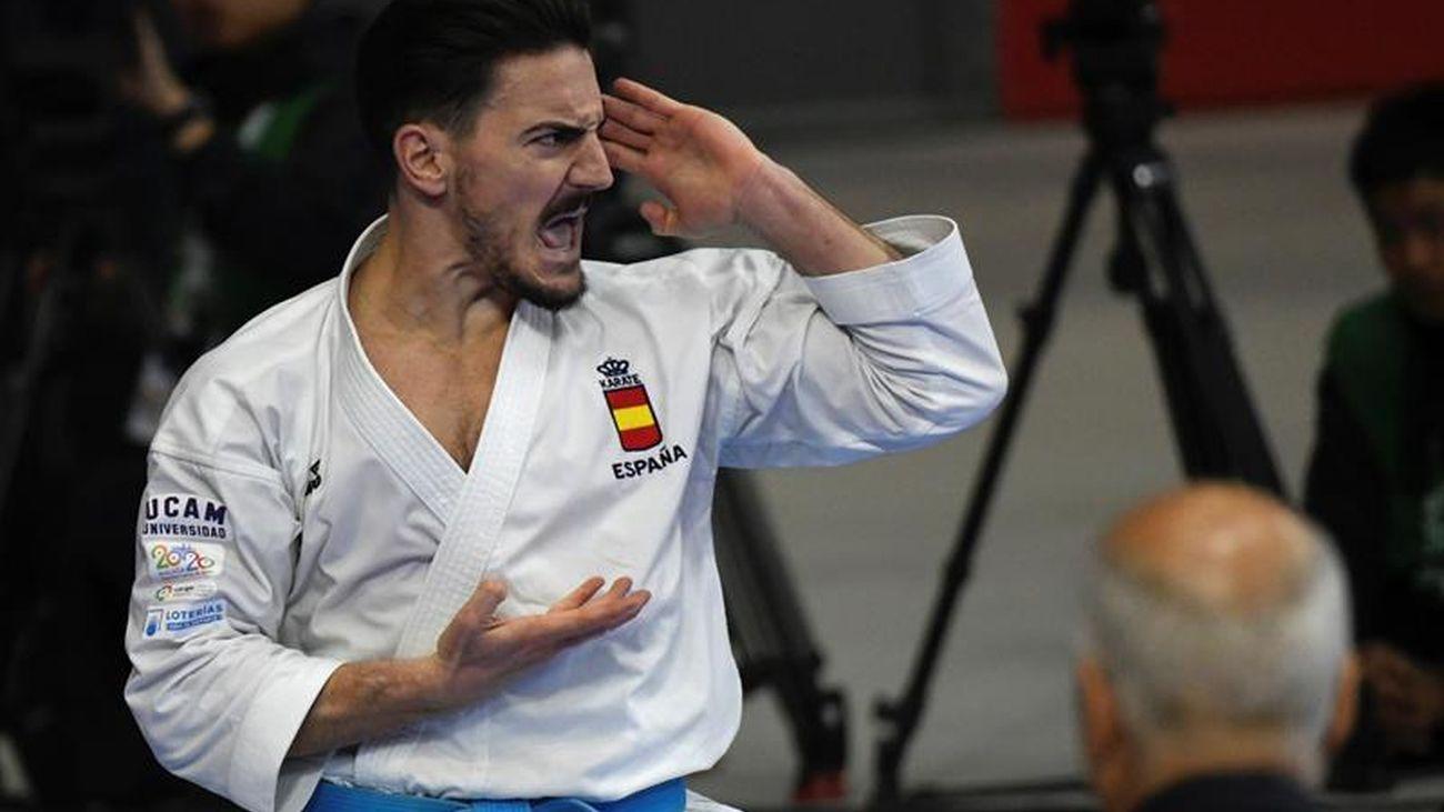 Damián Quintero mundial de Kárate ejercicio katas