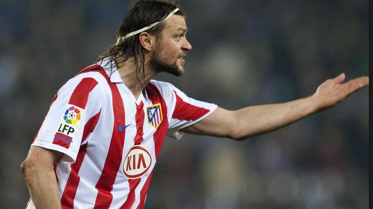 Ujfalusi exjugador Atlético de Madrid