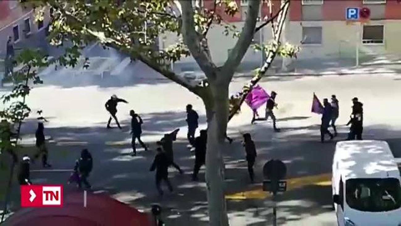 La policía confirma que los grupos ultras del Rayo y Barca se citaron para pelearse horas antes del partido
